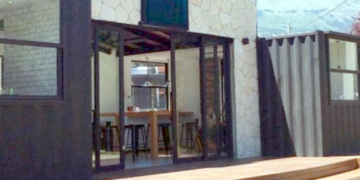 El dueño de cinco cafeterías de Bariloche decidió prohibir...