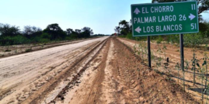 UNA LOCALIDAD FORMOSEÑA IMPIDE EL PASO DE AUTOS DE...