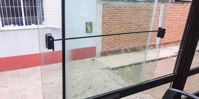 La AMT dispuso que los colectivos de Saeta circulen permanentemente con las ventanillas abiertas