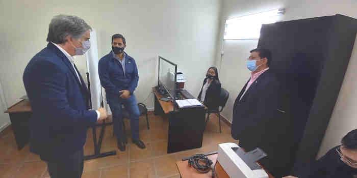 Vecinos de Guachipas cuentan con una renovada oficina del Registro Civil